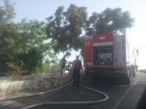Die Feuerwehr beim Auftanken.