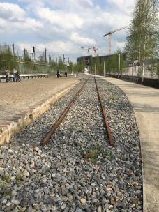 Bahnsteig 2: Zugfahrt in den Tod